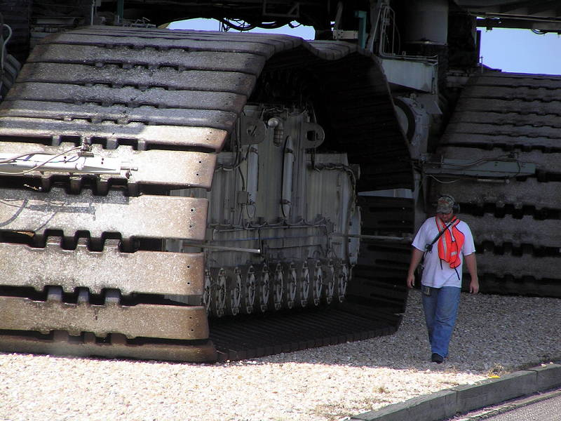 le crawler transporter de la nasa le plus gros atv du monde sixmania. Black Bedroom Furniture Sets. Home Design Ideas