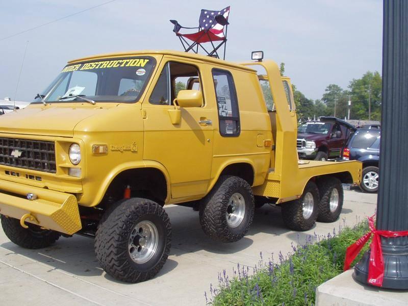 Under Destruction – 1982 Chevy Van eight-wheeler