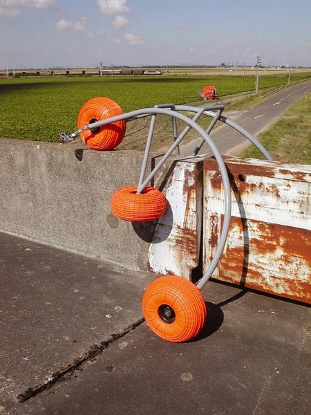 Pentacycle de Raphaël Zarka et Vincent Lamouroux – 2001