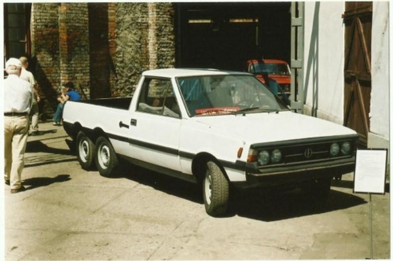 FSO Polonez Pick-up trzyosiowy 6 roues – 1981