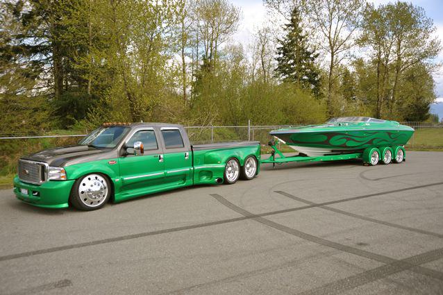 Ford F-350 et son bateau